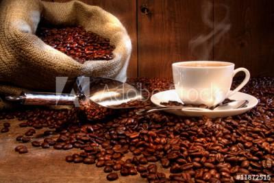 Fototapeta Filiżanka kawy wraz z workiem kawy (11872515)