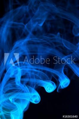 Fototapeta Niebieski wirujący dym na czarnym tle (16301640)