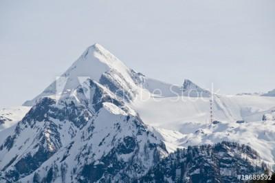 Fototapeta Szczyt górski pokryty śniegiem (18689592)