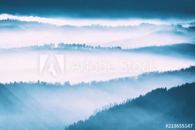 Fototapeta Poranna mgła w górach (213655147)
