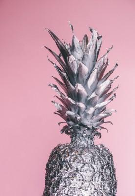 Plakat Srebrny ananas na różowym tle